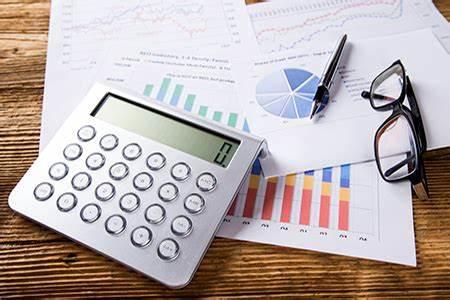 La Legge di Bilancio 2021 ha revisionato la rivalutazione dei beni d'impresa prevedendo il riallineamento tra valori civili e fiscali dell'avviamento e dei costi pluriennali.