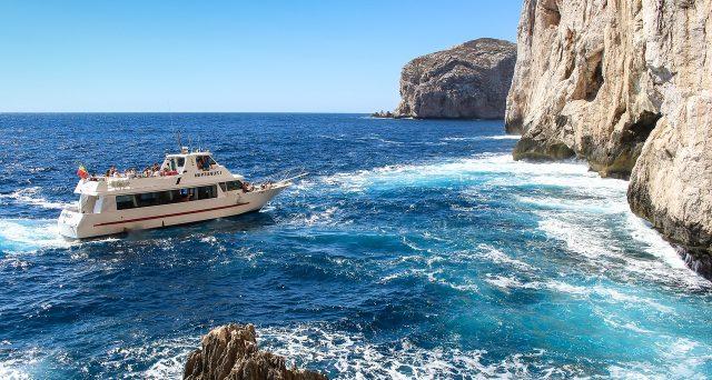 L'Agenzia delle Entrate mette in chiaro il corretto trattamento IVA da applicare al trasporto marittimo di persone, incluse le gite turistiche