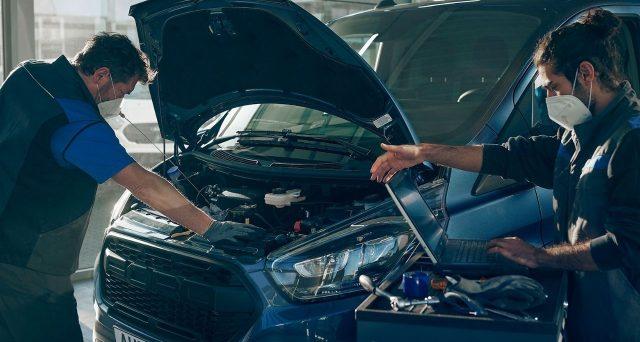 Smart working, Ford rivoluziona i turni di lavoro e offre la possibilità ai dipendenti di continuare a lavorare da remoto.