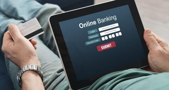 La pandemia ha accelerato la transizione verso l'internet banking. Banche fisiche destinate a scomparire in pochi anni.
