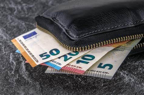 La pensione futura per i giovani sarà sempre più bassa. La media, nel sistema contributivo, sarà pari al 50% dell'ultimo stipendio.