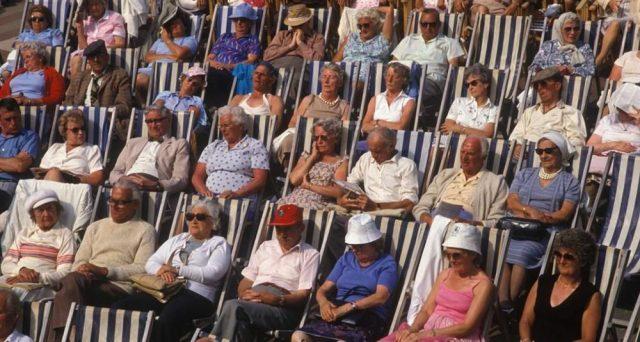 Come trasferire la pensione all'estero? Sono sempre di più i pensionati italiani che ogni anno decidono di trasferirsi all'estero una volta ritiratasi dal mercato occupazionale.