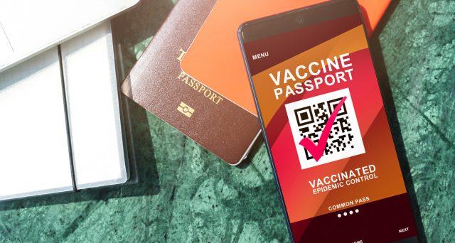 La Cina è il primo Paese al mondo a lanciare il passaporto sanitario. Anche Europa e USA stanno pensando di introdurlo.