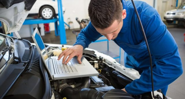 Dalla Ue il regolamento che estende di altri 10 mesi la proroga della revisione auto. Motorizzazioni nel caos per i mezzi pesanti.