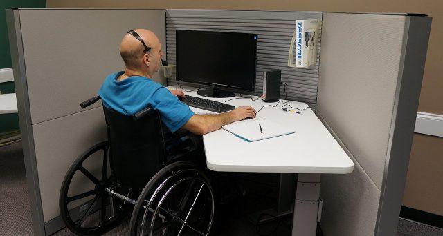 IVA 4% disabili: documentazione semplificata per sussidi tecnici e informatici