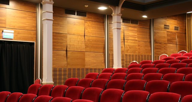 Arriva il credito d'imposta attività teatrali e dello spettacolo: requisiti, importo e utilizzo