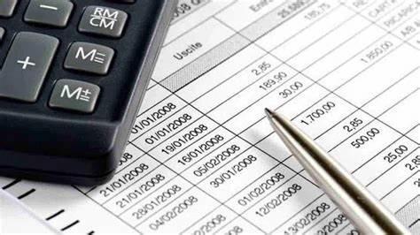 In quali casi può scattare con più facilità l'accertamento fiscale? Il Fisco controlla, in particolare, 3 movimenti sul conto corrente: prelievi, versamenti e bonifici sospetti, fuori dalla portata del contribuente.