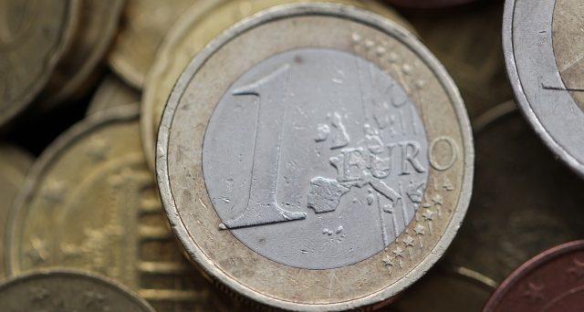 Dichiarazione redditi: arrotondamenti e conversioni in euro