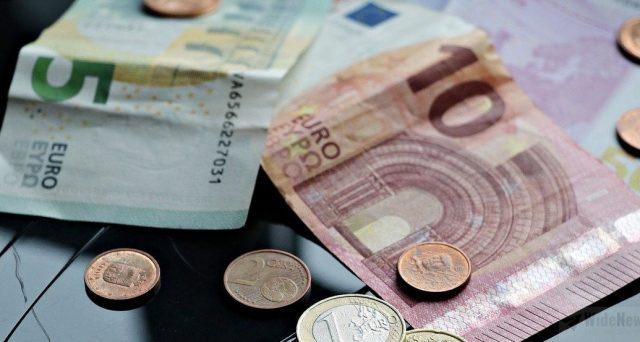 A luglio è in arrivo un aumento fino a 300 euro in busta paga grazie all'assegno unico universale che, per un semestre, convivrà con l'assegno al nucleo familiare.