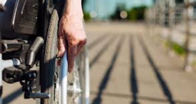 La pensione di invalidità per dipendenti pubblici è possibile? E' prevista per il lavoratore dipendente da una PA la possibilità di percepire l'assegno ordinario di invalidità?