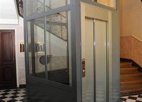 Tra tanti quesiti, scegliamo l'ascensore in condominio. E' gratis se trainato dal Bonus 110? Quale maggioranza assembleare serve?