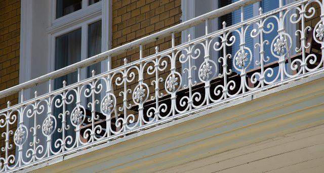 Ok la bonus facciate per i parapetti, ecco come ottenere il contributo per rinnovare i balconi