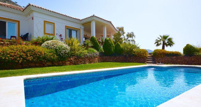 La manutenzione di piscine e fontane in giardino rientra nel bonus verde?