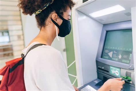 Dopo il bonus cashback arriva il bonus bancomat: si tratta di una misura che mira a favorire i pagamenti digitali.