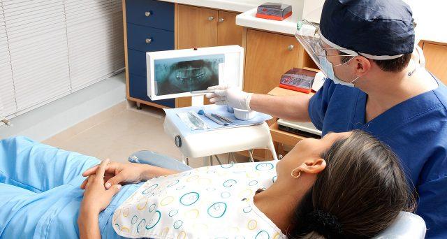 Spese del dentista all'estero: ecco i requisiti per la detrazione in Italia