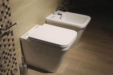 Quando si vuole ristrutturare una casa, può essere necessario dover spostare il bagno e di conseguenza lo scarico wc.
