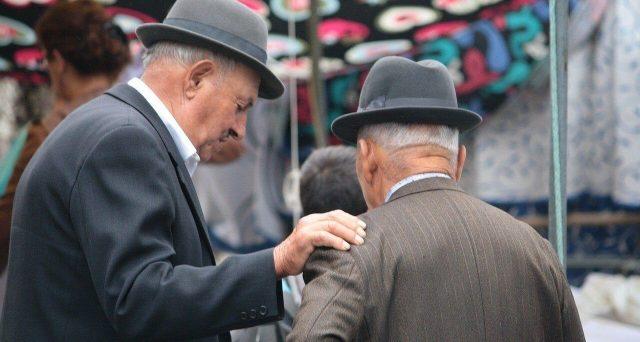 Cala di 1,2 anni la speranza di vita a causa della pandemia. Cosa cambia dal prossimo anno per le pensioni di vecchiaia e anticipate.