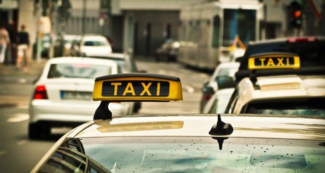 Sospensione bollo auto per taxi, ecco dove e per chi: aggiornamenti e novità
