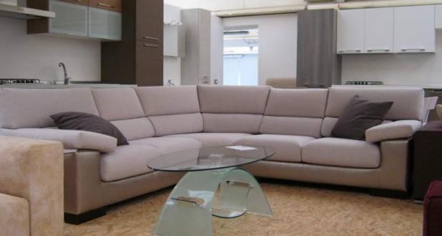 Compri mobili e non paghi le tasse offerta anticrisi for Outlet arredamento calenzano