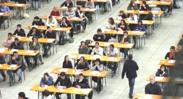 Il decreto interministeriale 460/98 parla chiaramente dell'abilitazione e delle possibilità di partecipare alle classi di concorso.
