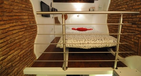 Casa vacanza pi piccola d italia ecco le foto for Compro casa roma centro