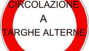 Circolazione a targhe alterne a Roma oggi, 10 dicembre, e domani. Ecco chi può circolare e dove