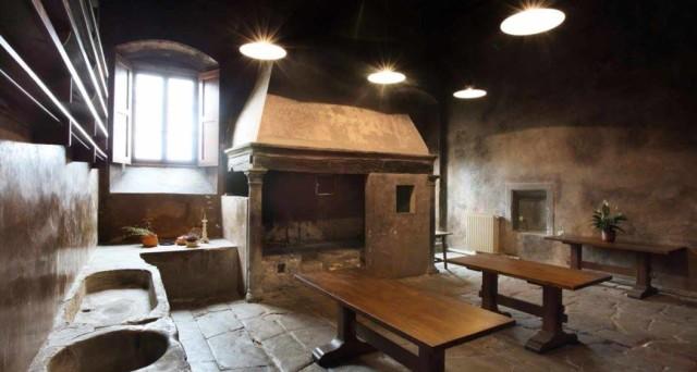 Le 6 cucine storiche pi belle nei castelli e abbazie for Registra le planimetrie delle dimore