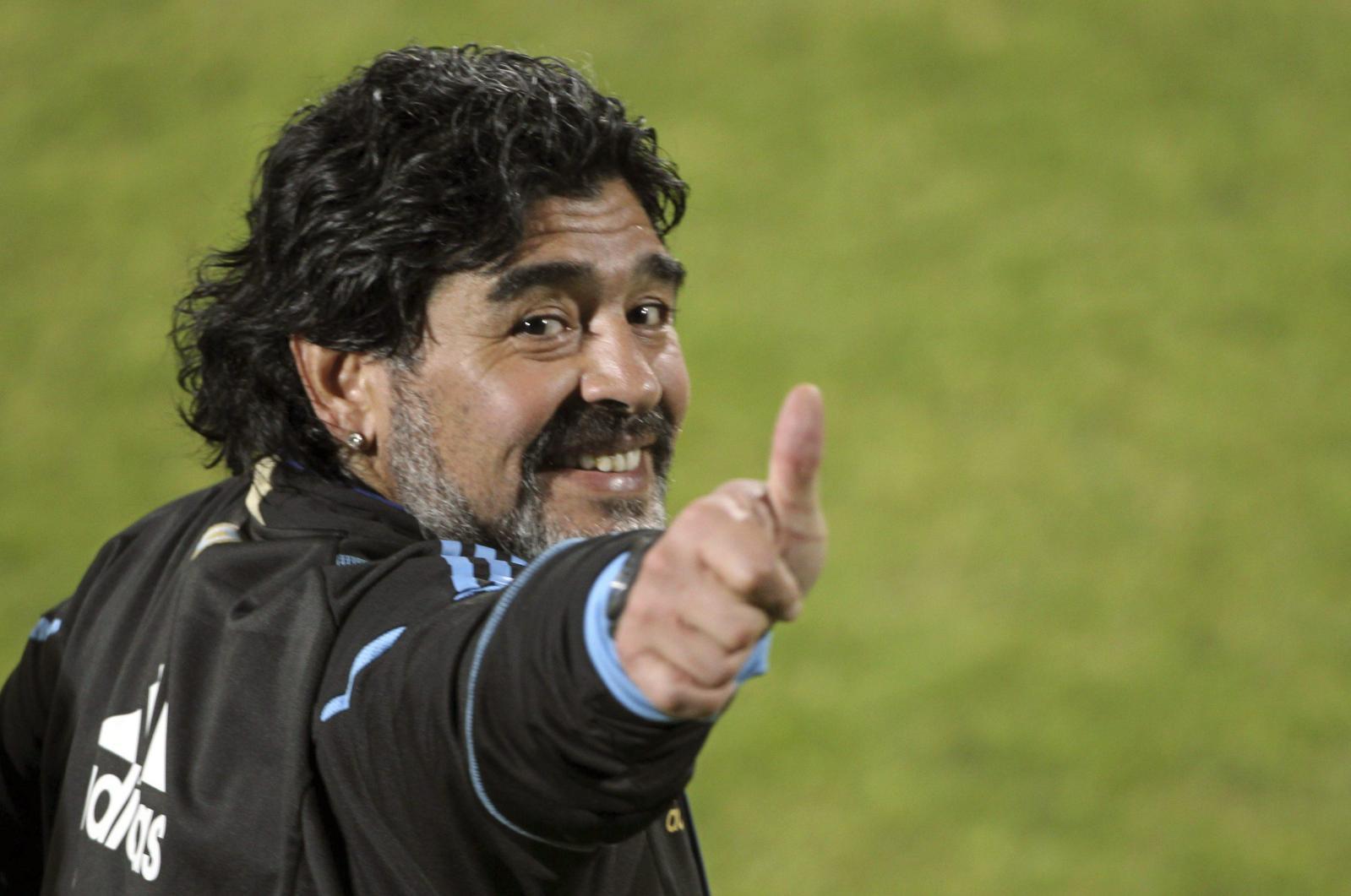 Cittadinanza onoraria Maradona oggi 5 luglio 2017 Napoli ...