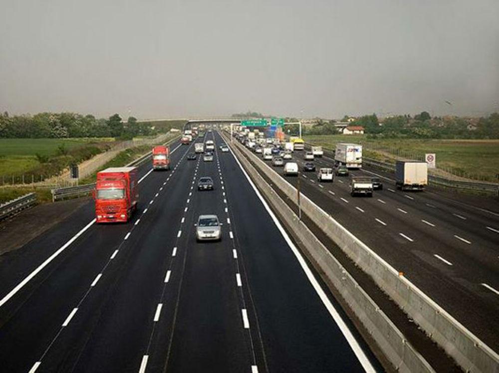 previsioni traffico agosto 2017 divieto tir e orari