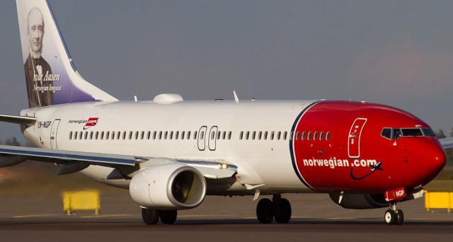 Della Norwegian è il primo volo low cost intercontinentale partito lo scorso 9 novembre verso New York. Le info e le politiche di tutela del lavoro.