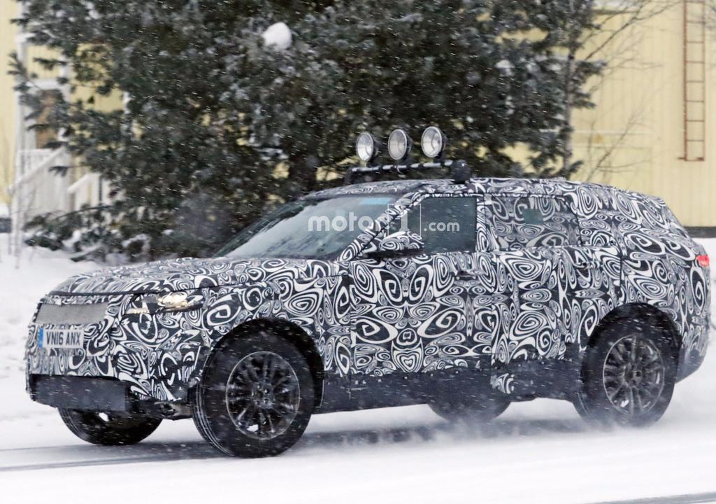 Ranger Rover Sport Coupé: nuove foto spia arrivano dalle nevi svedesi, queste riguardano il muletto camuffato del famoso veicolo