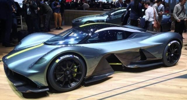Aston Martin sta prendendo seriamente in considerazione l'idea di quotarsi in Borsa a Londra al pare di quanto avvenuto con Ferrari nel 2015