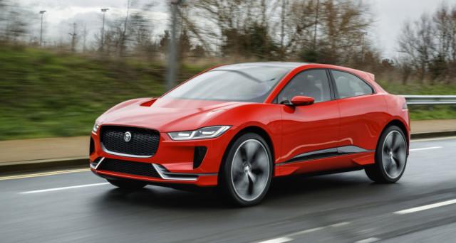 Jaguar I-PACE 2018: Nelle scorse ore il nuovo crossover elettrico della casa automobilistica inglese è sceso in strada al famoso Olympic Park di Londra