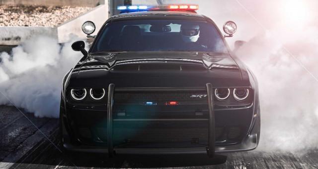 Dodge Challenger SRT Demon polizia: è il rendering del designer Aksènov Nikita che prova ad immaginare come sarebbe a vettura in dotazione alla polizia