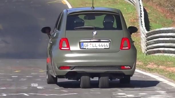 Al Nurburgring catturata in un video una particolare versione di Fiat 500 pensata appositamente per permettere ai 16 enni di guidare