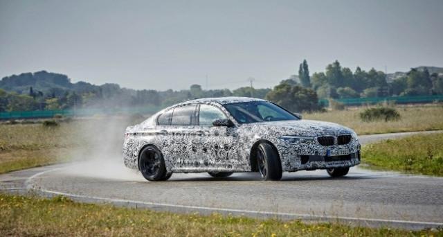 Bmw M5: le prime foto rilasciate direttamente dalla casa bavarese, la vettura sarà dotata di trazione integrale xDrive