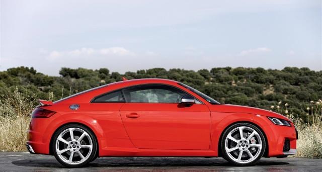 Le nuove Audi RS3 e TT RS arrivano finalmente in Italia, da poche ore infatti è possibile acquistarle anche nel nostro paese.