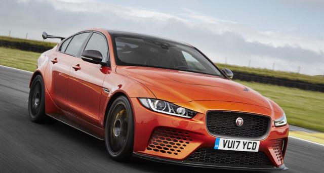 Jaguar XE SV Project 8: sul mercato arriva la nuova super car della casa britannica con motore da oltre 600 cavalli di potenza.