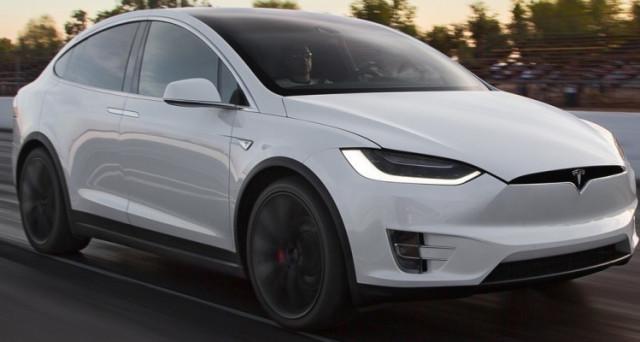 Tesla Model X è risultato essere il Suv più sicuro di tutti gli USA secondo i test effettuati  dalla NHTSA (National Highway Traffic Safety Administration)