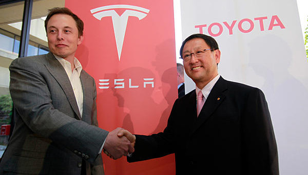 Tesla e Toyota