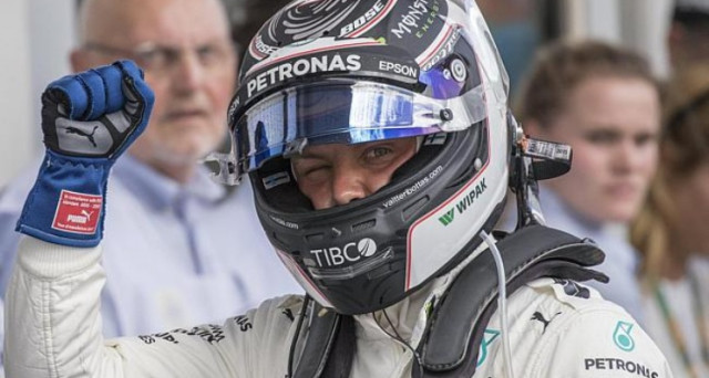 Il pilota di Mercedes Bottas soddisfatto della vittoria nel Gran Premio di Formula 1 d'Austria