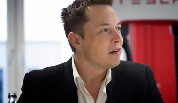Elon Musk Ce di Tesla