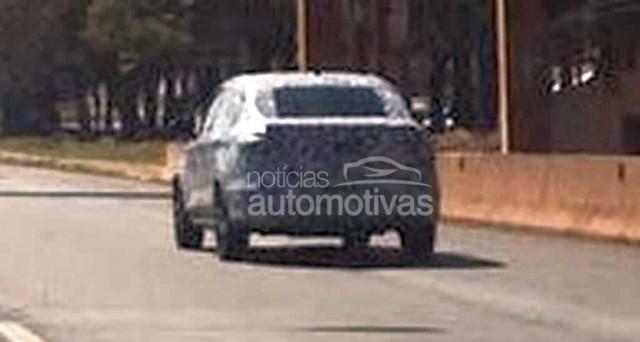 Fiat argo nuove immagini spia della versione sedan for Nuova fiat argo immagini