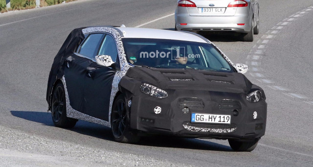 Hyundai i40 Wagon: le prime foto spia del prossimo aggiornamento mettono in evidenza importanti modifiche all'anteriore e al posteriore