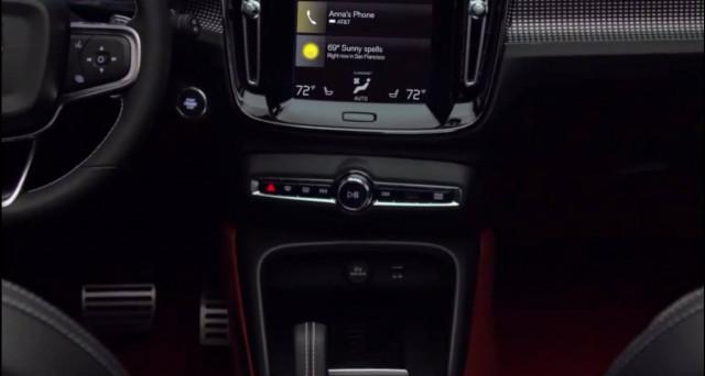 Volvo: ecco gli interni del nuovo suv XC40