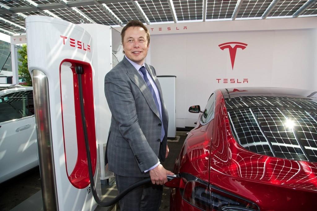 Tesla perde 8 mila dollari ogni minuto secondo Bloomberg - Motori e Auto - Investireoggi.it
