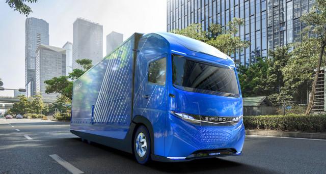Daimler anticipa Tesla presentando nelle scorse ore il primo camion totalmente elettrico della sua gamma: E-Fuso Vision One.