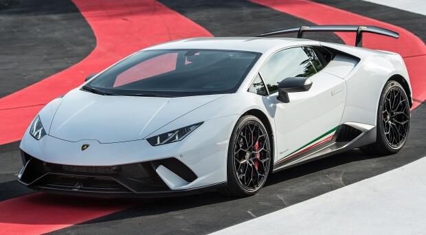 Lamborghini Huracan: in futuro la celebre vettura del brand italiano arriverà sul mercato anche in versione con motore ibrido