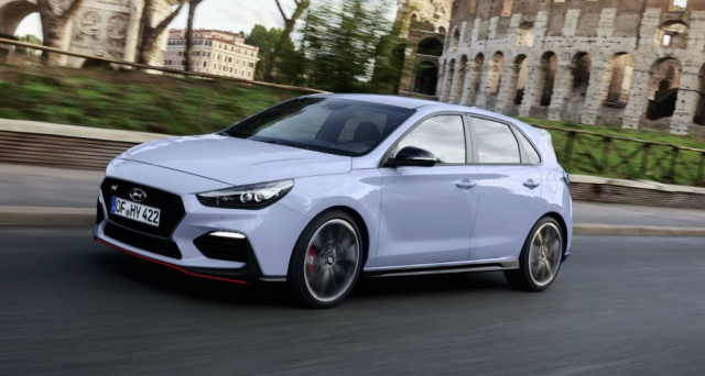 Hyundai i30 N sbarca finalmente nelle concessionarie italiana, la super sportiva di Hyundai avrà nel nostro paese un prezzo di partenza di 32.650 euro