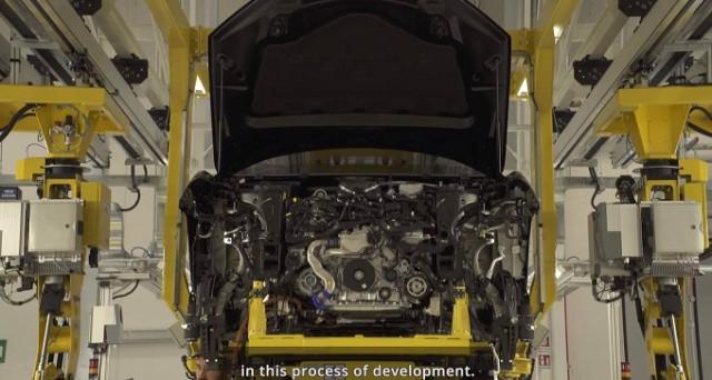 Lamborghini Urus: nuovo video apparso in rete e pubblicato dalla stessa casa del toro spiega il processo produttivo alla base del nuovo Suv.